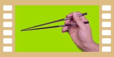 動画で見る。正しいお箸の持ち方&輪ゴムを使った練習方法